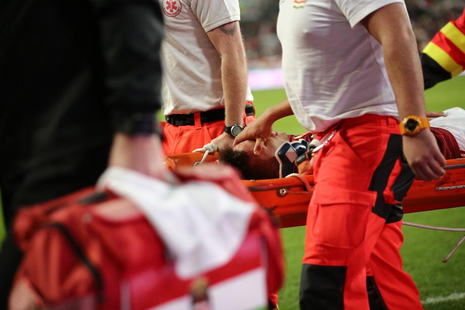 4987a8c10b Nagy Dominik számára tragikus véget ért a meccs, remekül játszott a jobb  oldalonFotó: Mudra László - Origo
