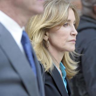 d5e173362a Bűnösnek vallotta magát Felicity Huffman, ennyi büntetésre számíthat