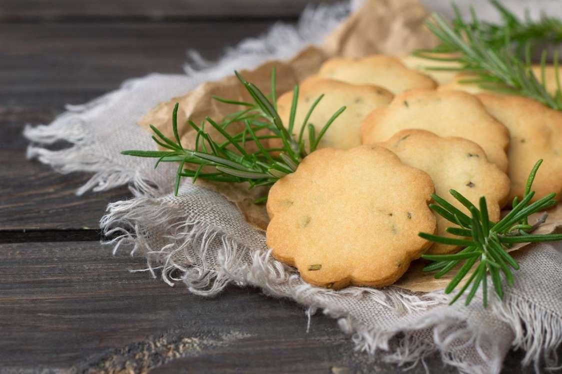 Allergiásoknak és vegán étrendet követőknek egyaránt hasznos sütiskönyv jelent meg
