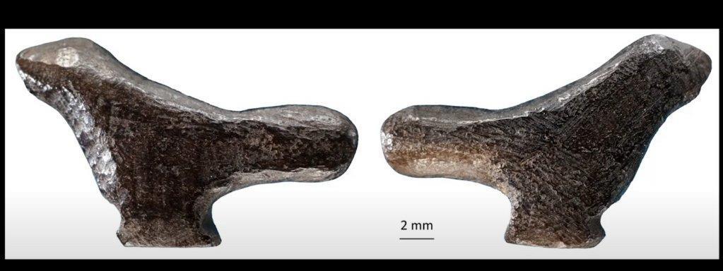 Egy csontból faragott madárfigura a legrégibb ismert kínai műalkotás