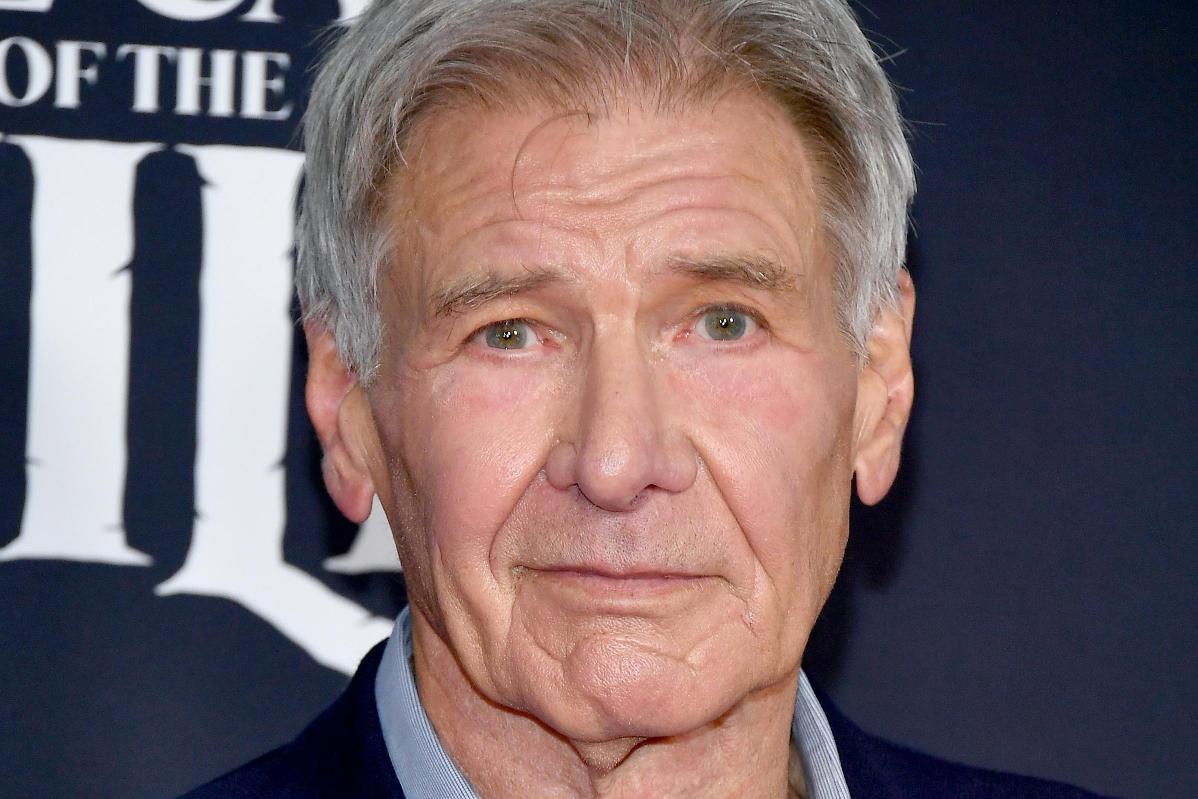 Két órát várt Harrison Ford, hogy megkaphassa az oltást
