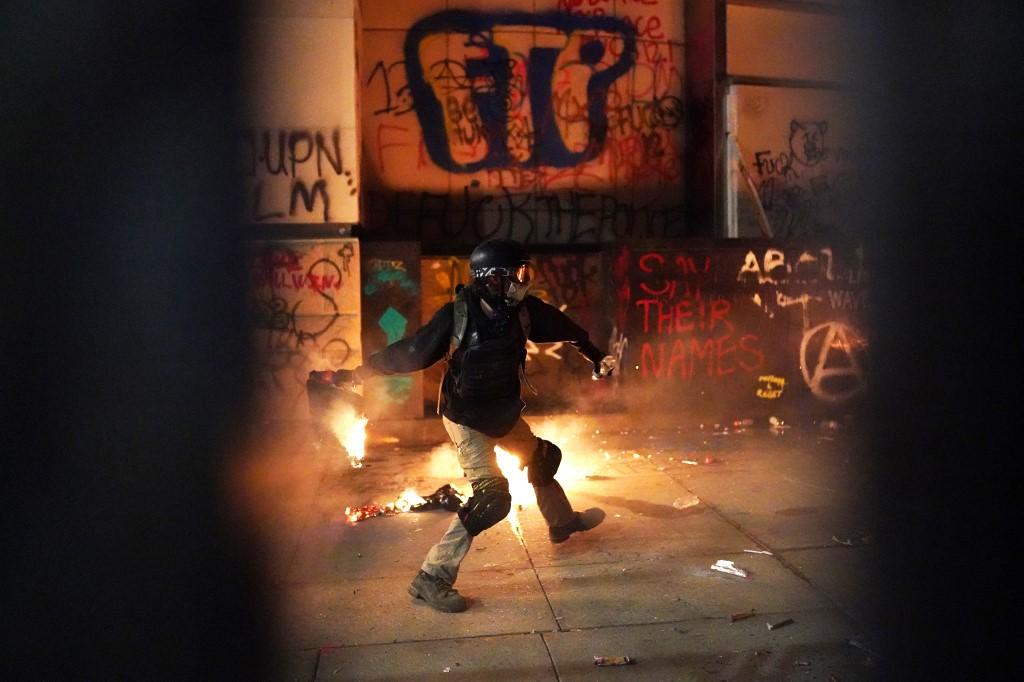 Tombol a radikális baloldal az Egyesült Államokban: Portland lángokban, Chicagóban és New Yorkban elszabadult az erőszak