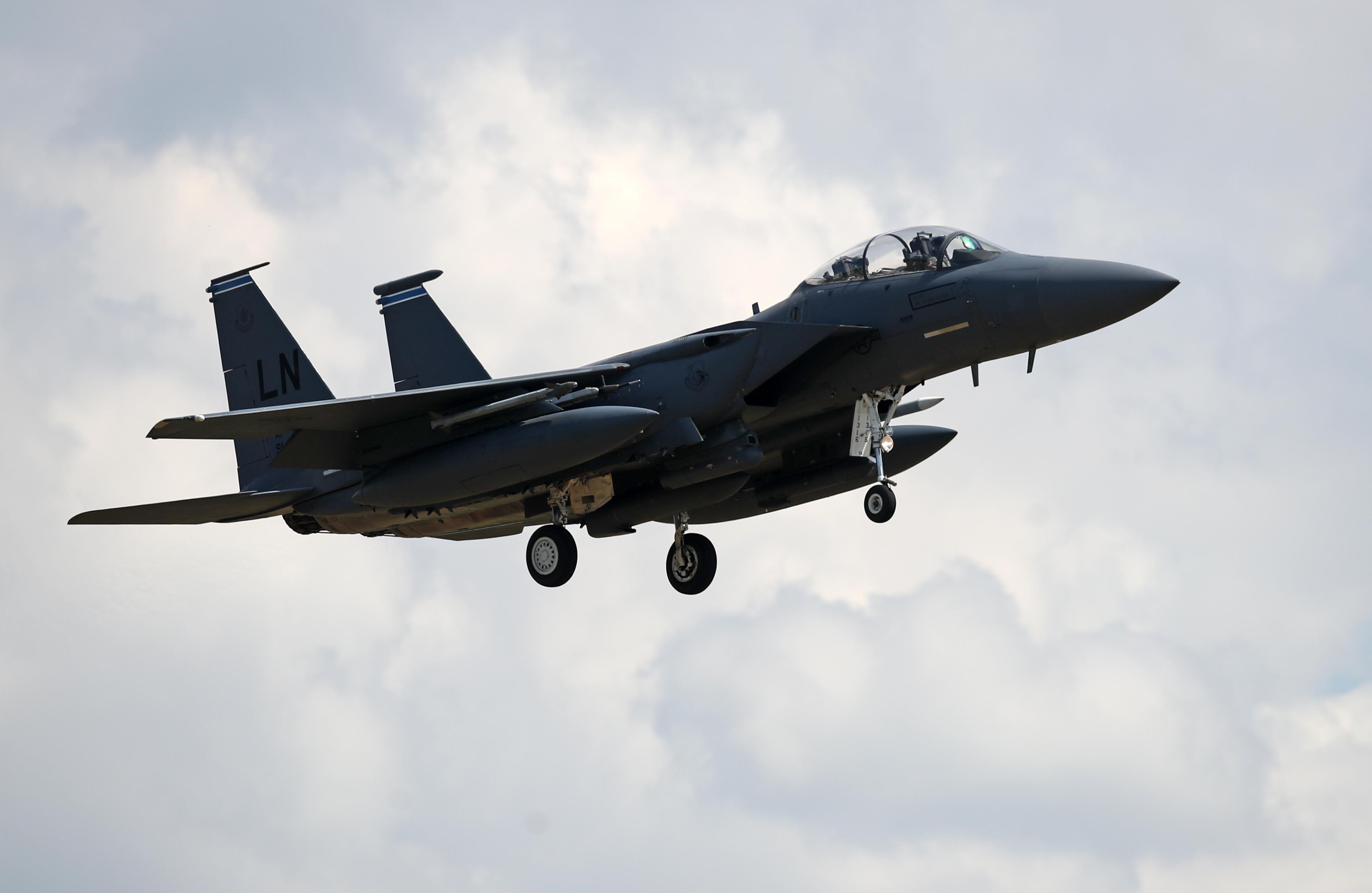 Egy amerikai vadászgép megközelített egy iráni utasszállítót Szíria fölött
