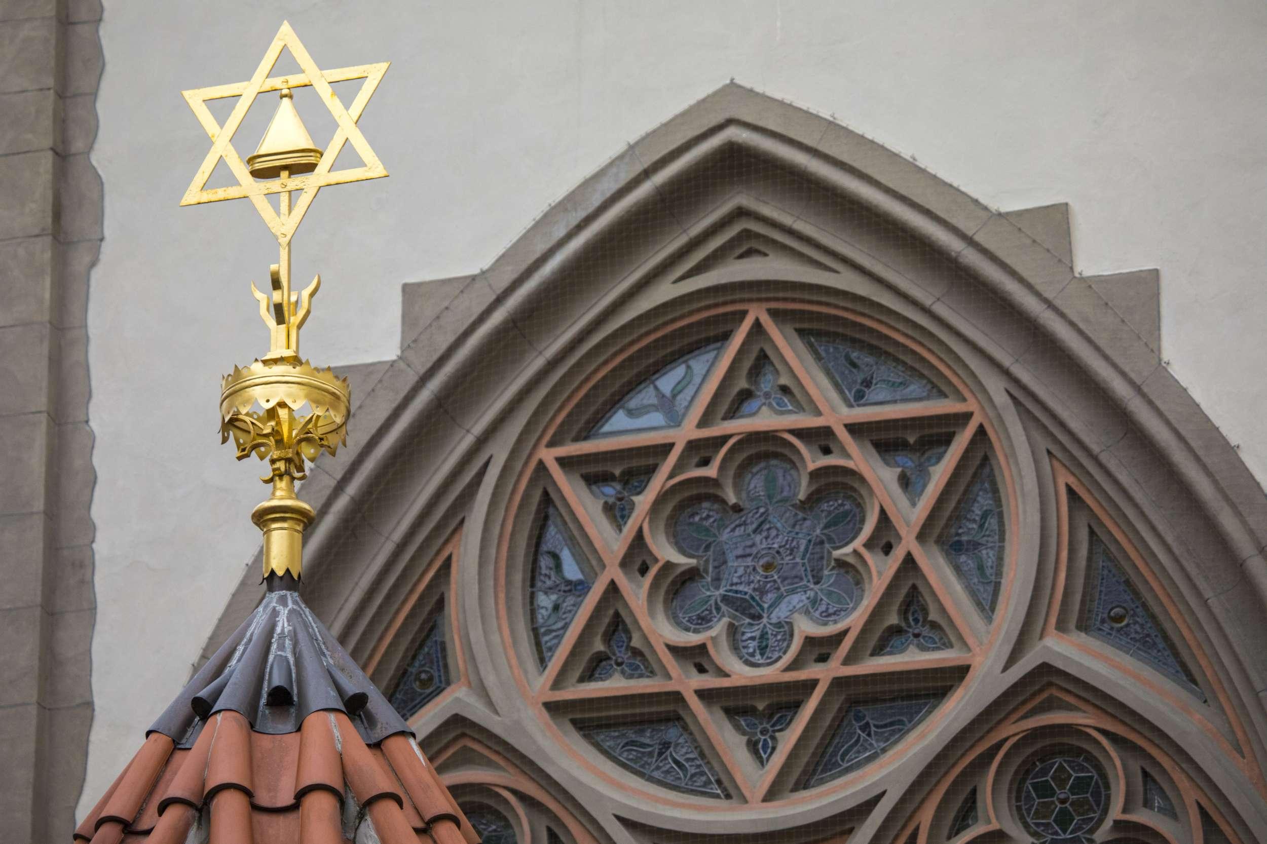 Átmenetileg bezárnak a budapesti zsinagógák