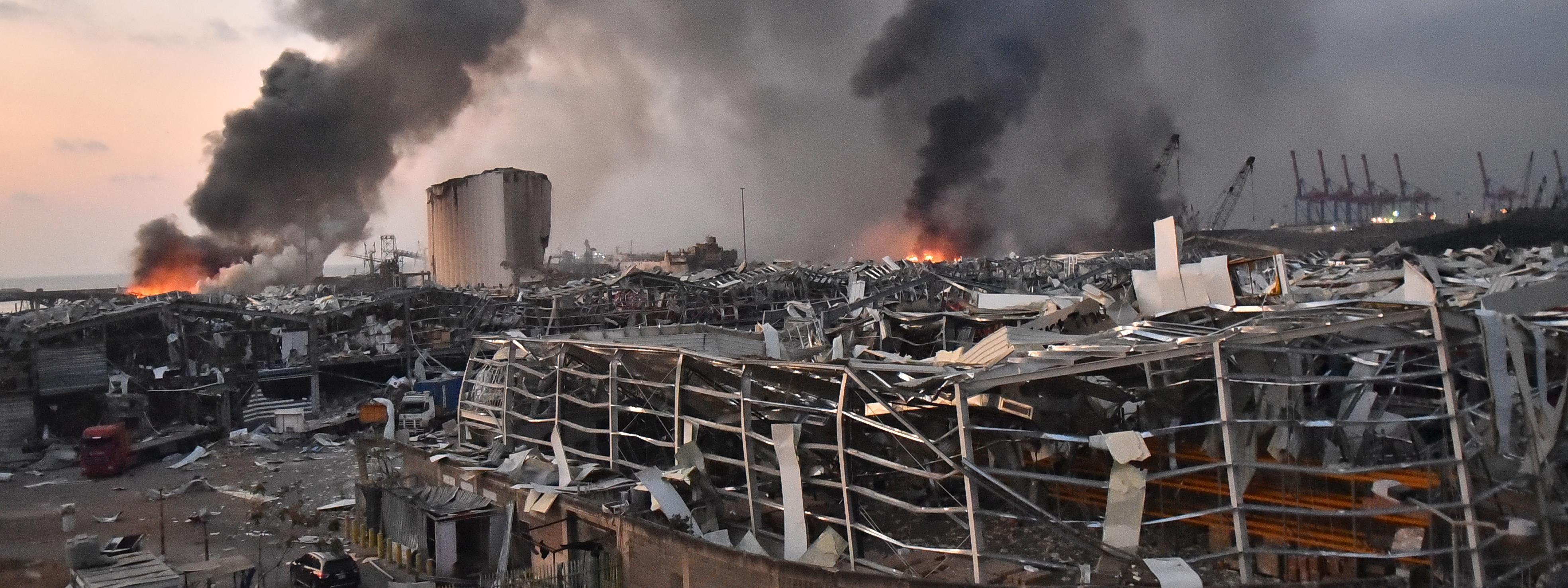 Egy nagyobb földrengés erejével ért fel a bejrúti robbanás
