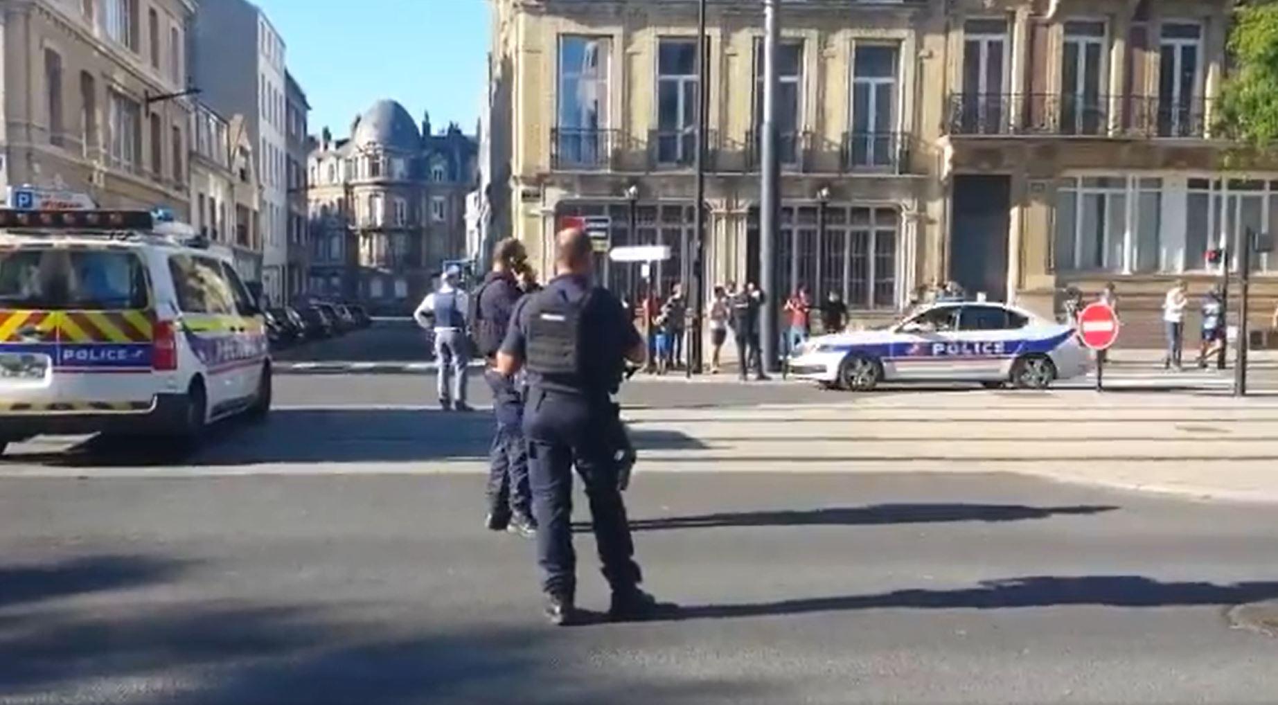 Túszokat ejtett egy iszlamista férfi Le Havre-ban