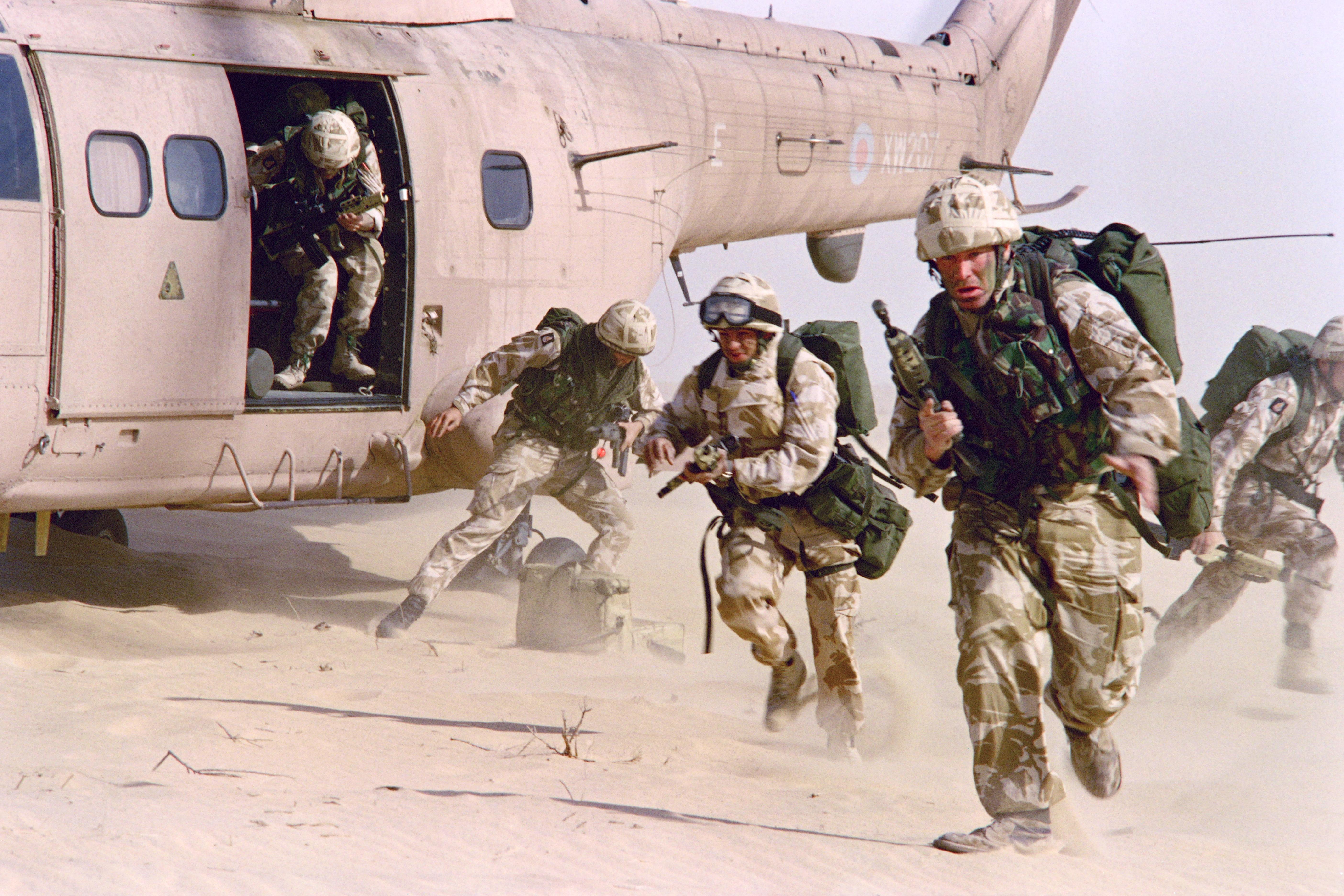 Hatalmas összegeket költött egy év alatt a világ katonai kiadásokra