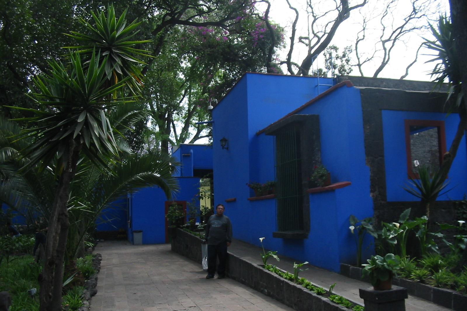 Egy lenyűgöző virtuális múzeumi túra révén most bebarangolhatja Frida Kahlo Kék Házát