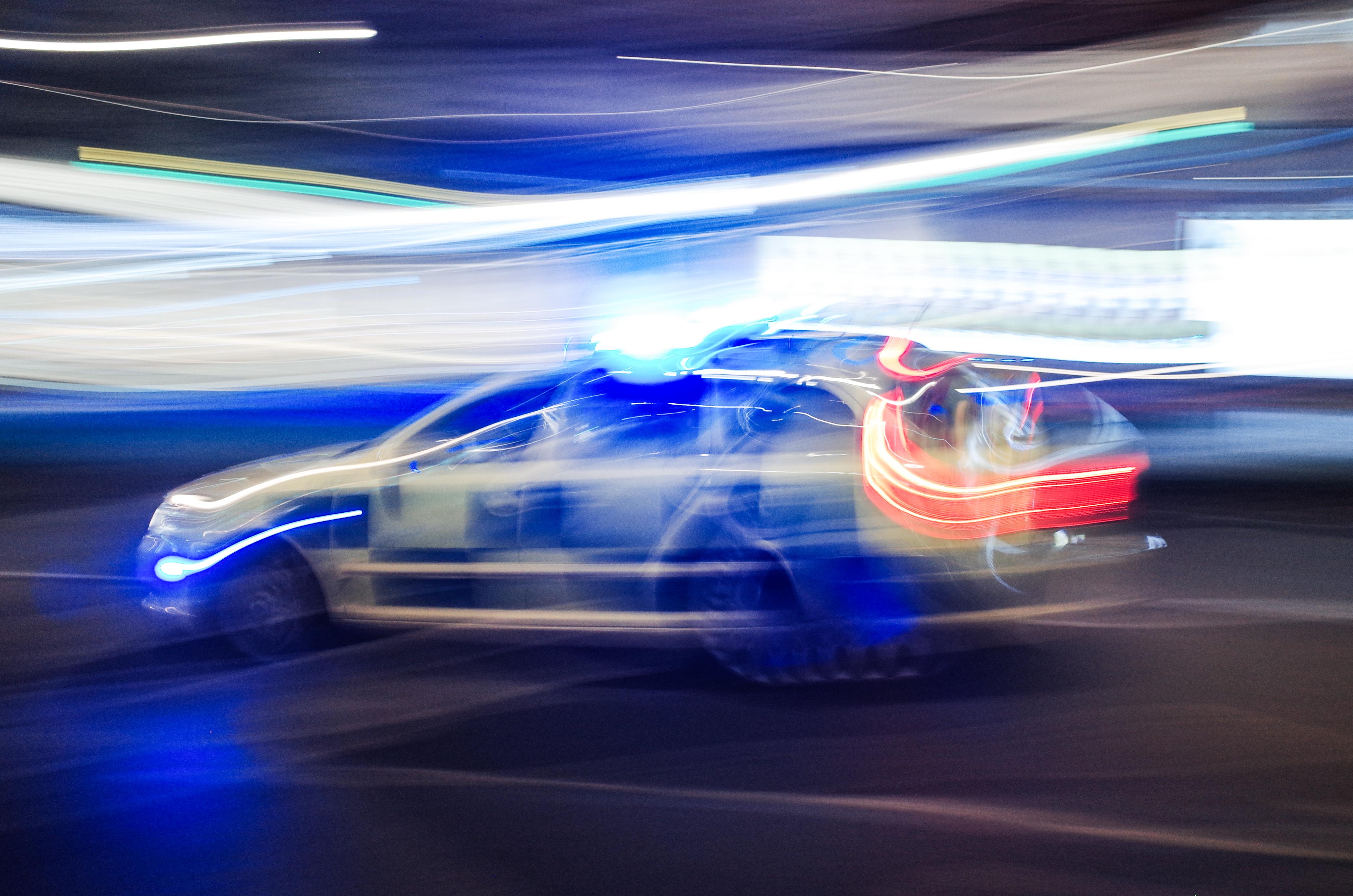 Métereket repült a kiszakadt vezetőfülkében egy sofőr – azonnal belehalt a sérüléseibe – Videó