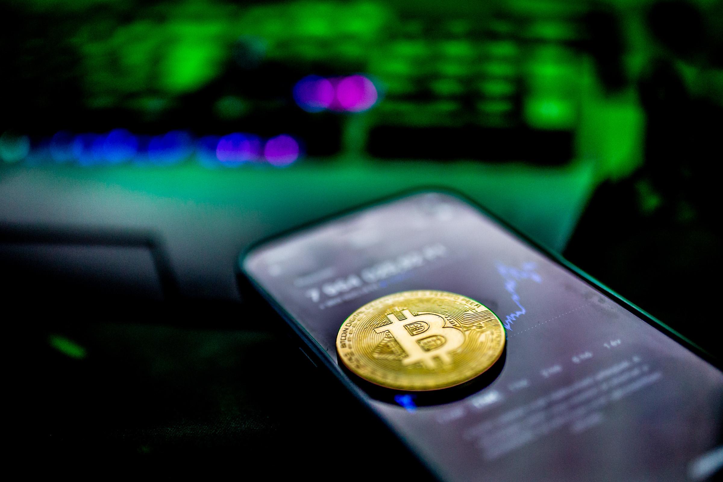 Ismerje meg a Bitcoin kereskedést 4 egyszerű lépésben az AvaTrade-el