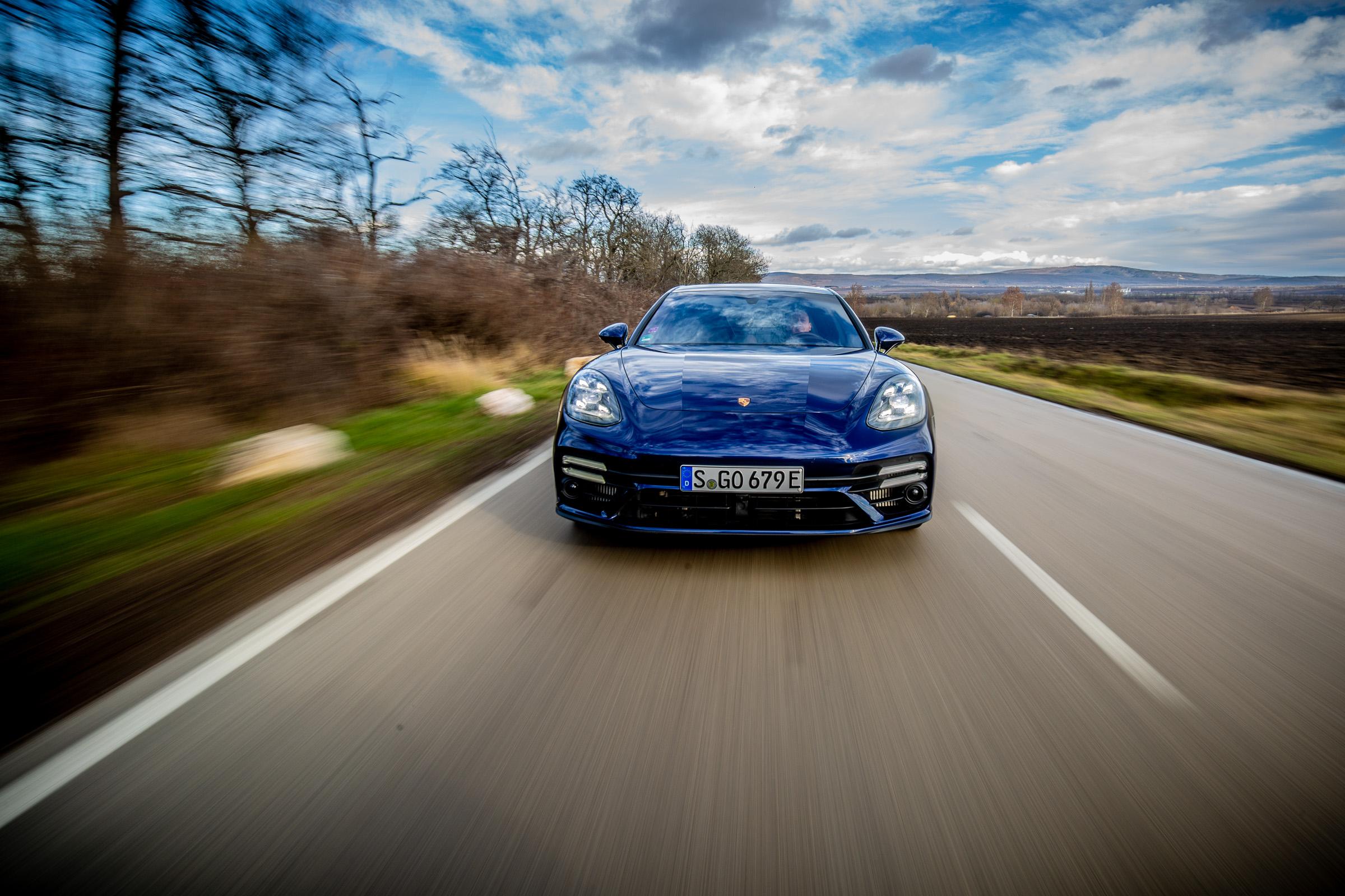 700 lóerő nem viccel, és még zöld rendszám is jár hozzá - Porsche Panamera Turbo S E-Hybrid teszt