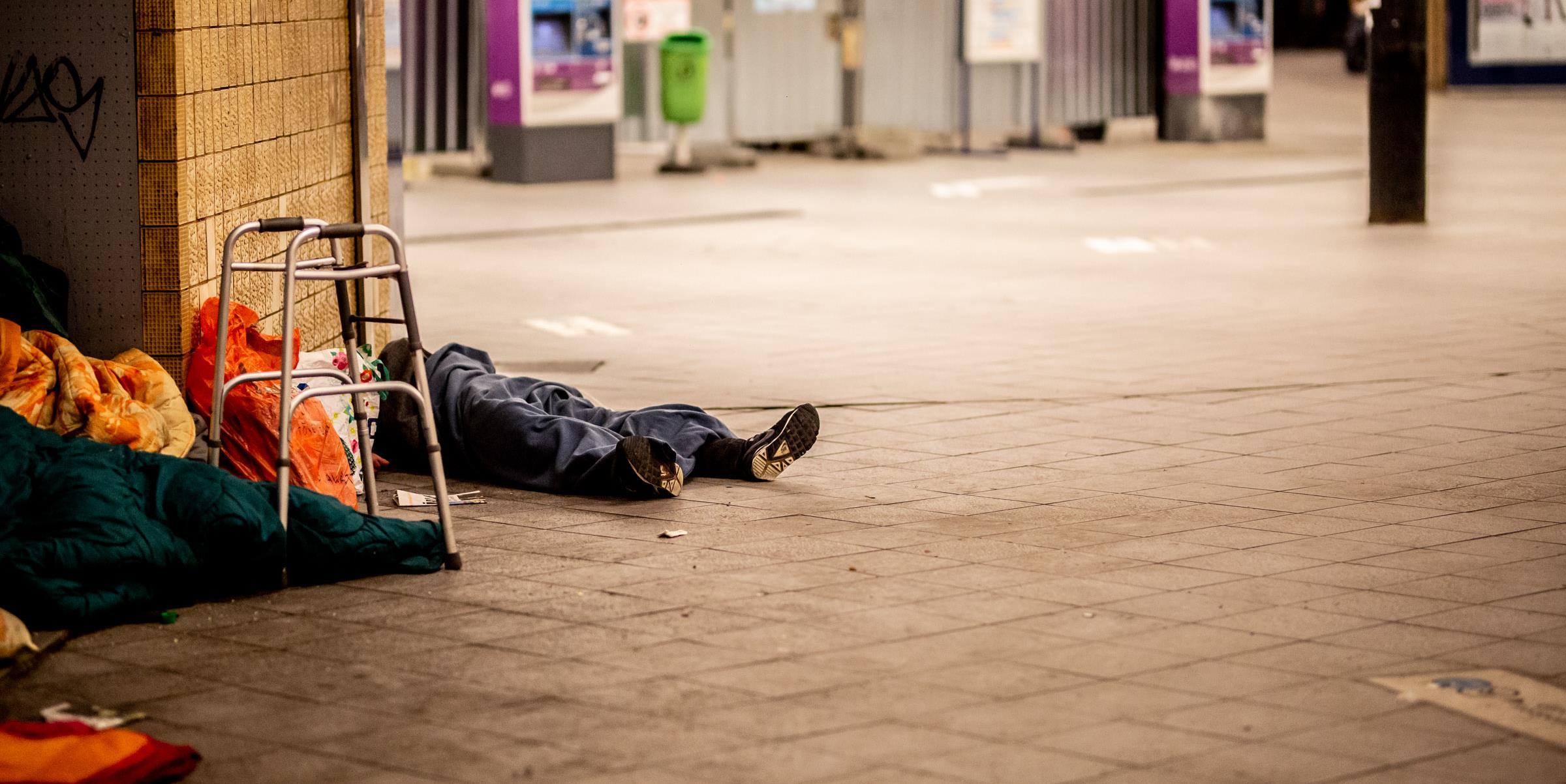 Rettegnek Újbudán a bosszúból emberekre köhögő hajléktalantól