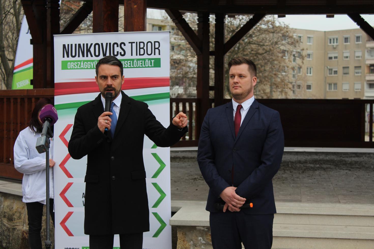 A múlt teljes átírása: a Jobbik frakcióvezető-helyettese nyilvánosan gyalázta Vona Gábort