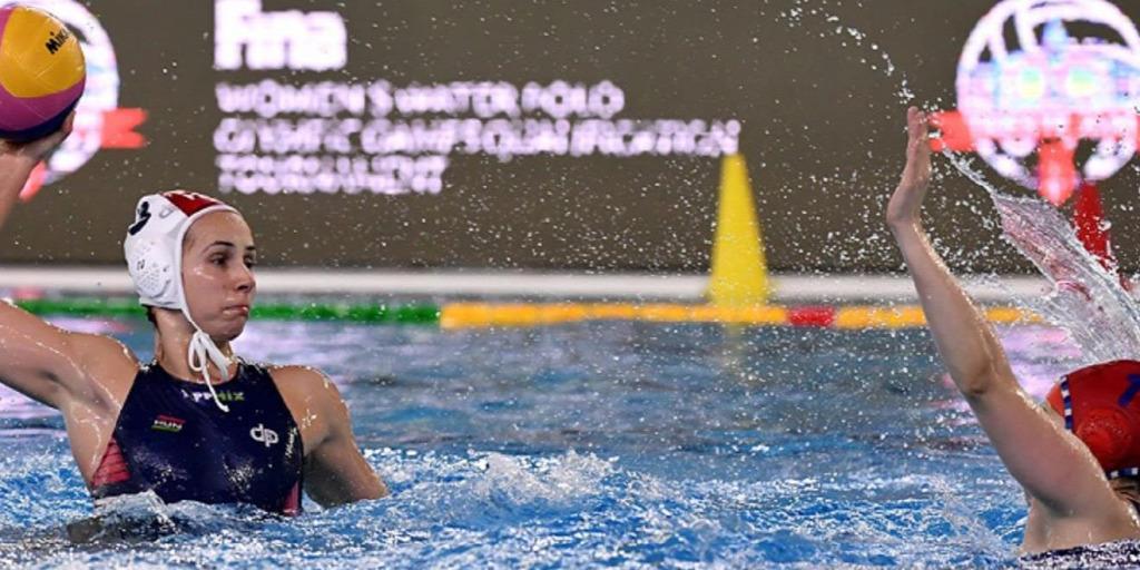 Elődöntőbe jutott és az olimpiai szereplésért játszhat szombaton a magyar női vízilabda-válogatott