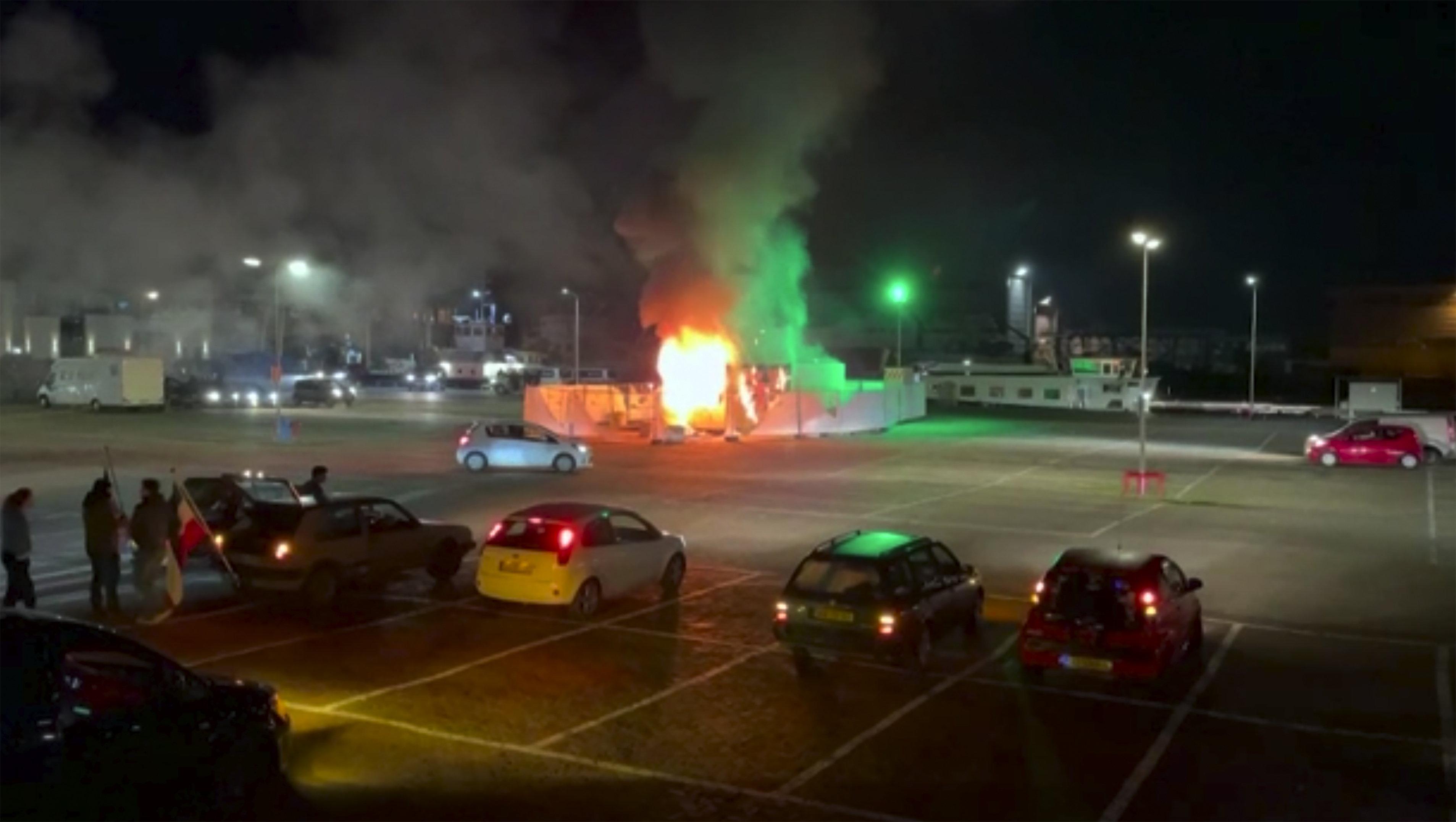 Tömeges letartóztatások történtek a hollandiai zavargások után