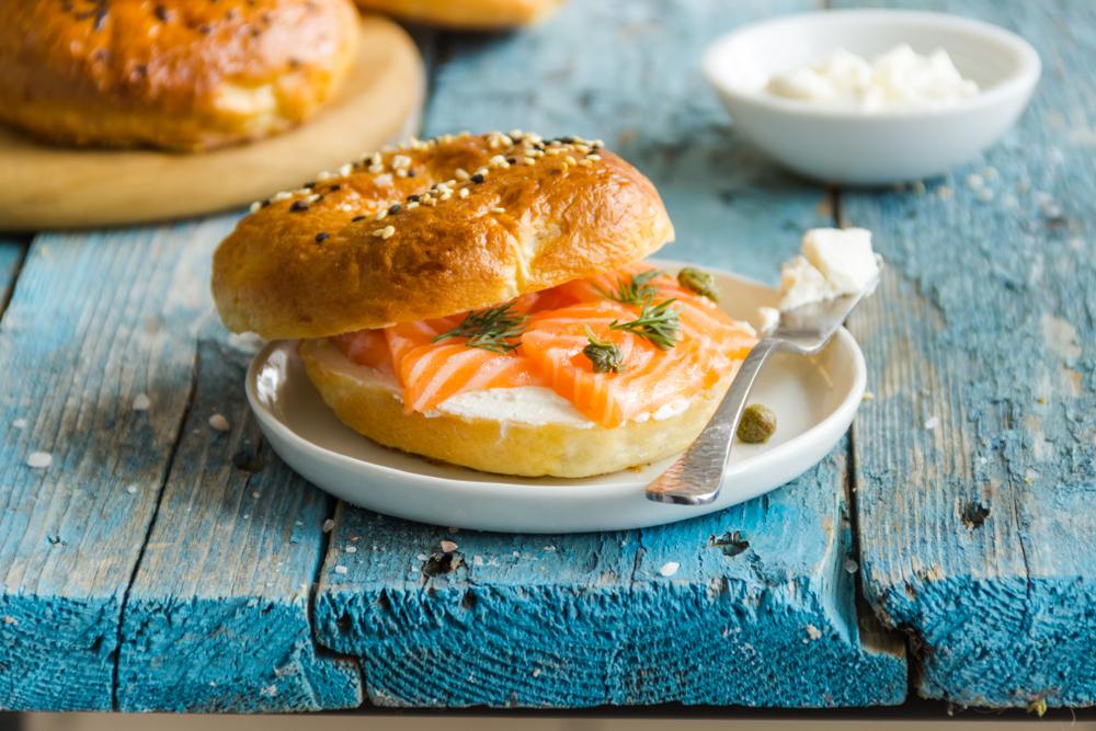 A bagel világnapja alkalmából Budapesten is különleges szendvicseket kínálnak