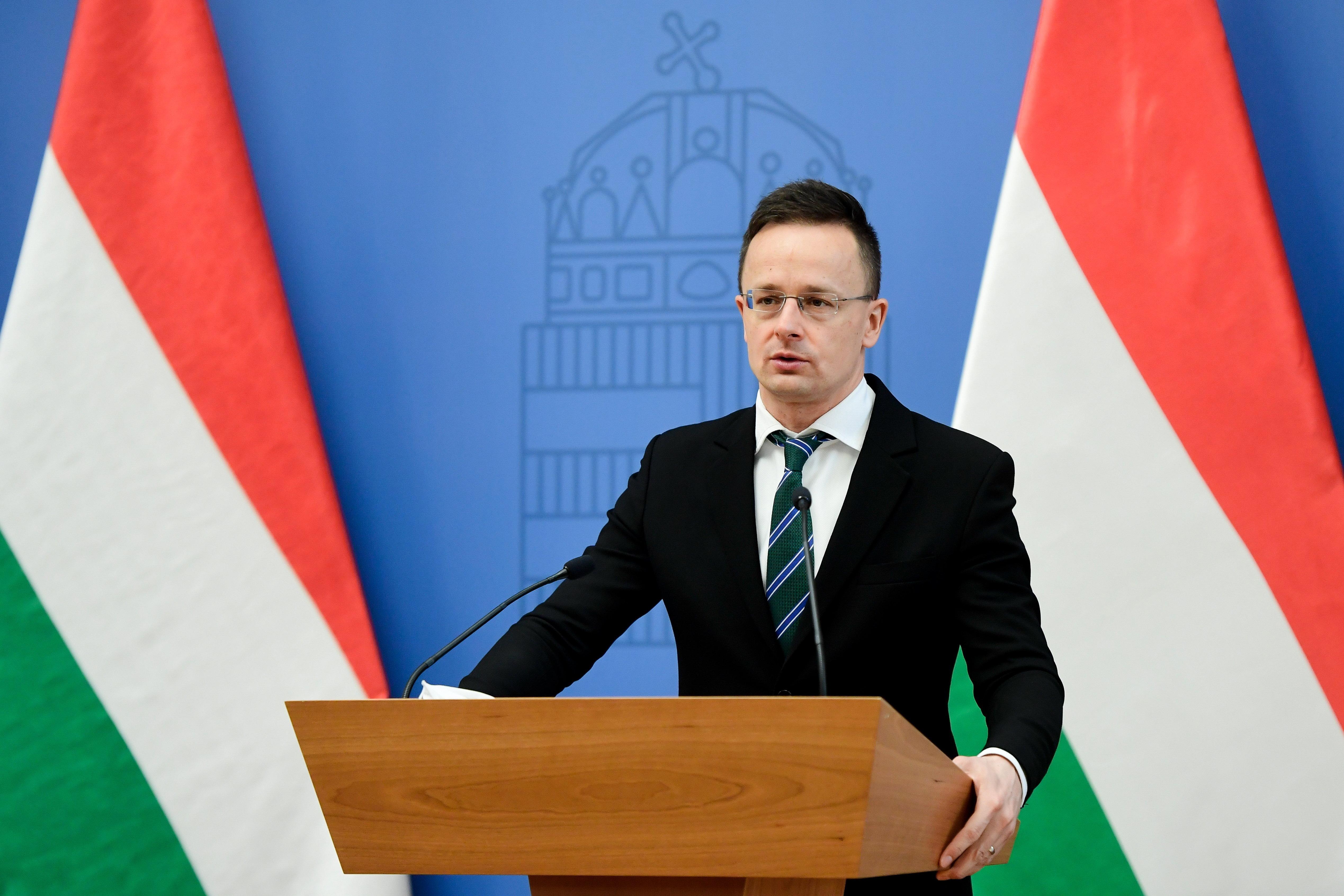 Petry Zsolt kirúgásáról kérdezte az európai baloldali politikusokat Szijjártó Péter