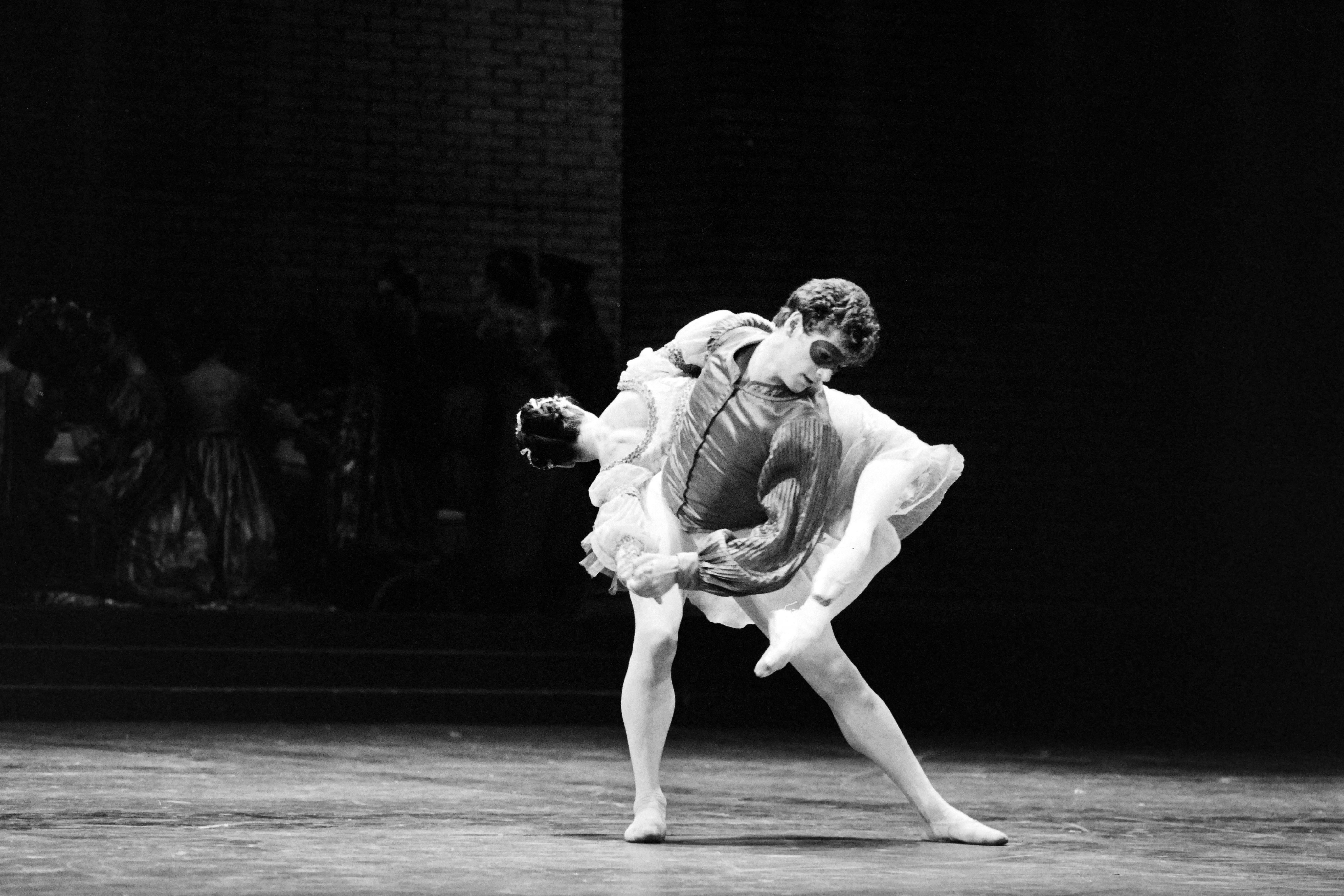 Meghalt Alain Delon filmbeli ellenfele, a világ egyik legnagyobb balettművésze