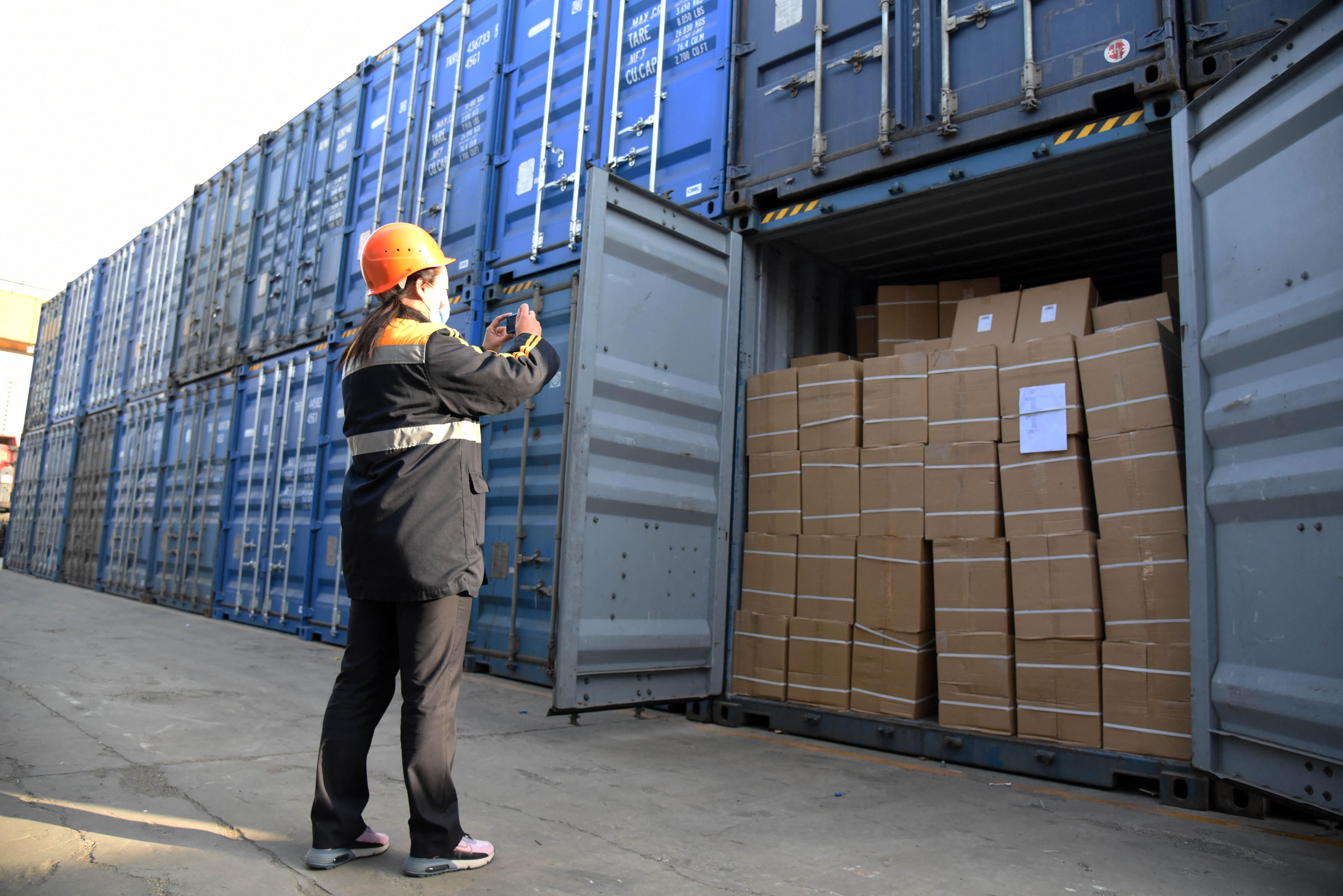 A várakozások felett nőtt a kínai export és az import is