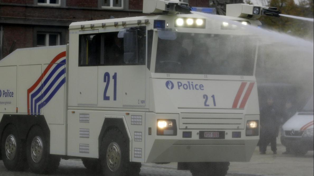 celibamy rendőrség találkozó belgium