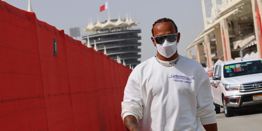 Újabb korlátozás jön az F1-ben, ami Hamiltonnak árt a leginkább