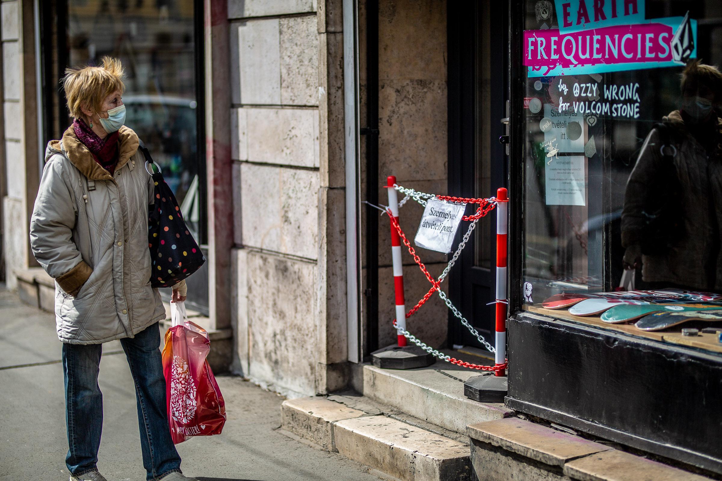 Kezdődik az újranyitás: így változik az élet mától Magyarországon