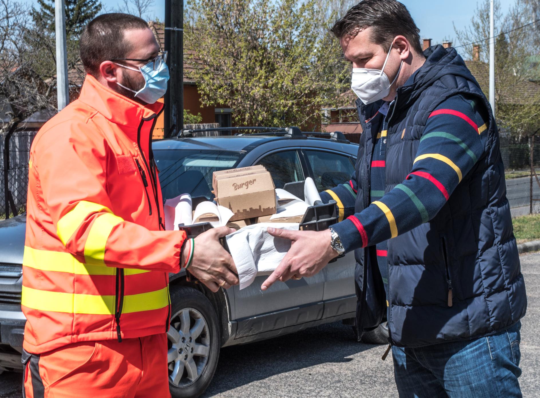 Hamburgert vitt a mentőknek a Fidesz II. kerületi frakcióvezetője
