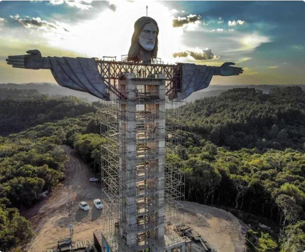 A rióinál is hatalmasabb Krisztus-szobrot építenek egy brazil kisvárosban