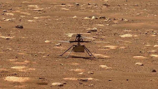 Műszaki hiba miatt elhalasztották az első helikopteres repülést a Marson