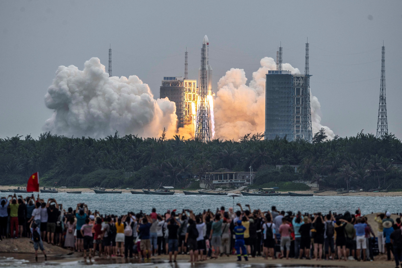 Egyelőre nem tudni, hol fog becsapódni a visszatérő kínai rakéta