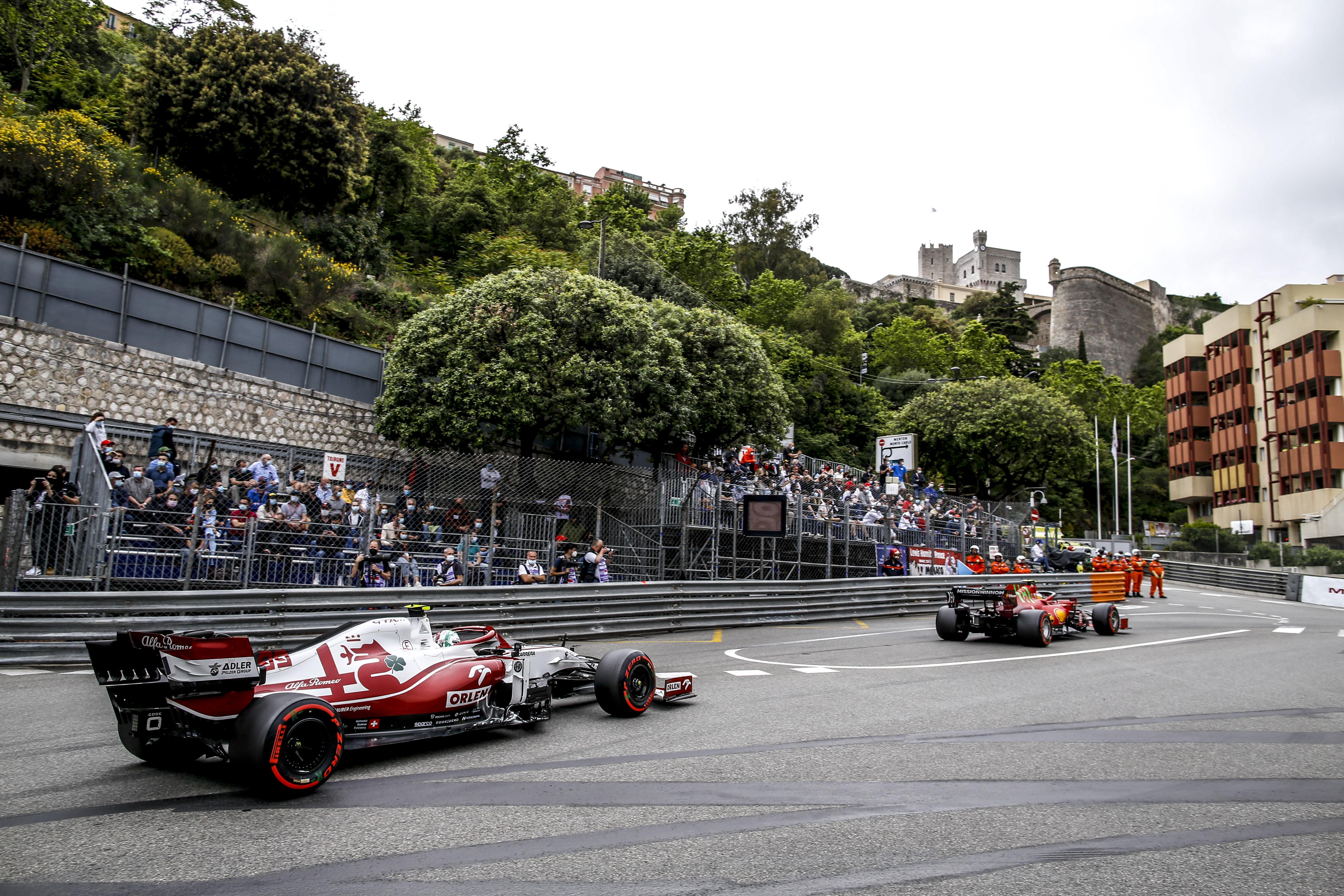 Alonso szabályváltozást javasol a monacói F1-es futamok izgalmassá tételére