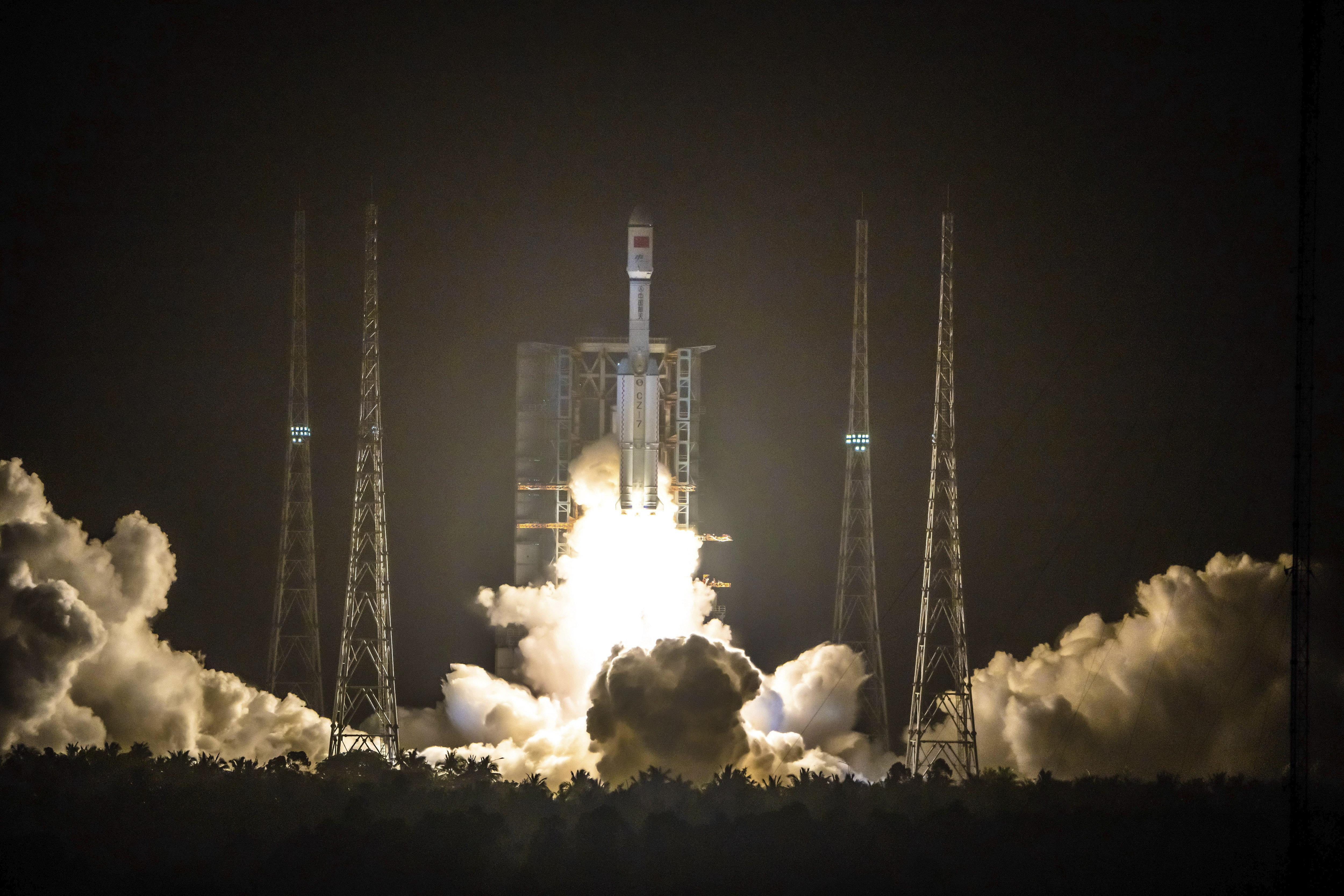 Megérkezett az első űrhajó a kínai űrállomásra