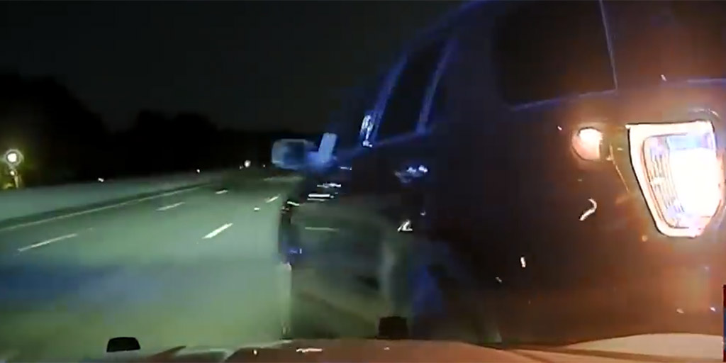 Nem állt félre a jelzésre a terhes nő, a rendőr nem kérdezett, kegyetlenül elbánt vele - videó