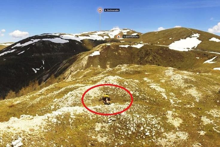 Rögzítette egy ausztriai webkamera, ahogy egy pár szexelt a hegyoldalban - képek