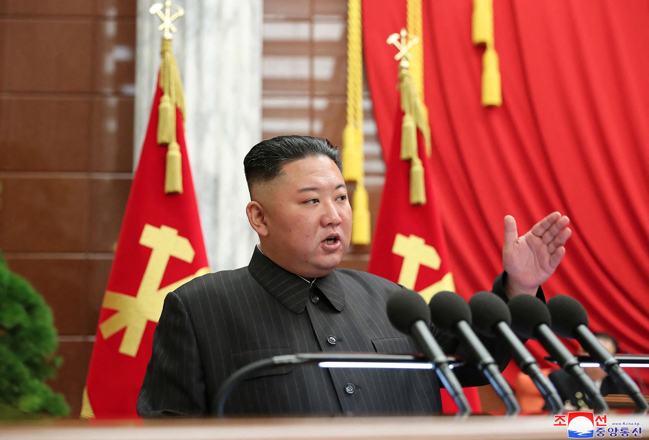 Mindenki találgatja, mi történt az észak-koreai diktátor fejével