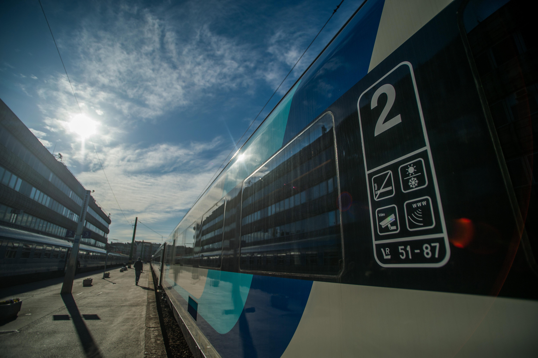 Így változik a vonatok és a buszok menetrendje a hosszú hétvégén