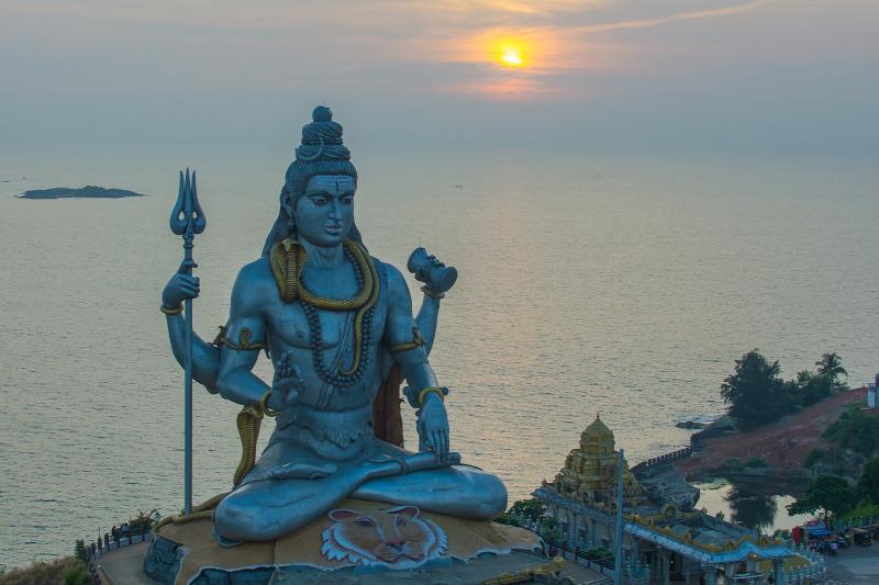 ismerd meg a vallások hinduizmus)