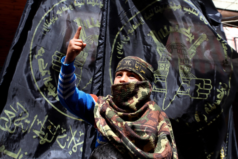 Kamaszfiúkból képez ki elvakult harcosokat az Iszlám Dzsihád terrorszervezet