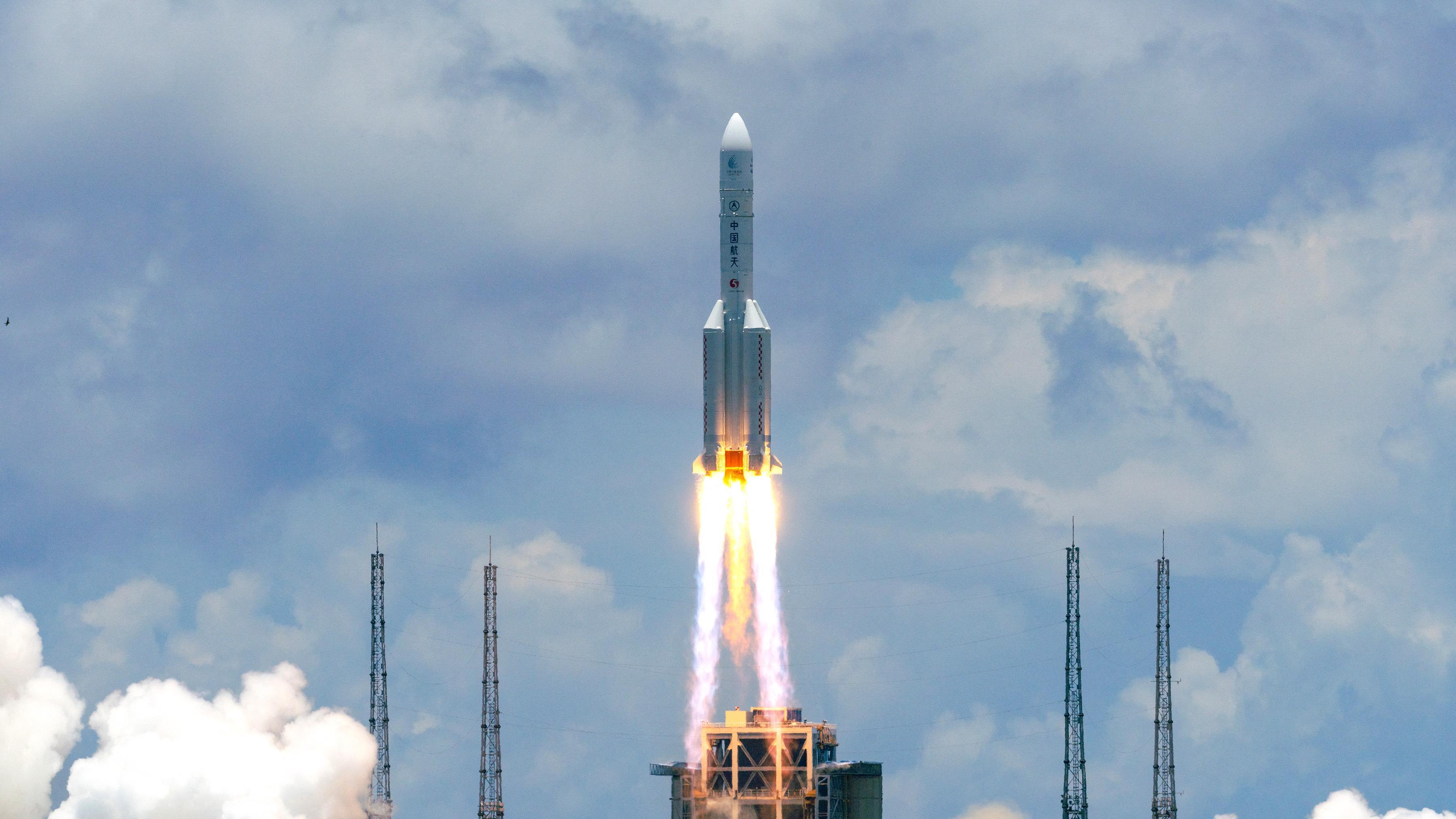 Huszonhárom rakéta kilövésével mentenék meg a világot