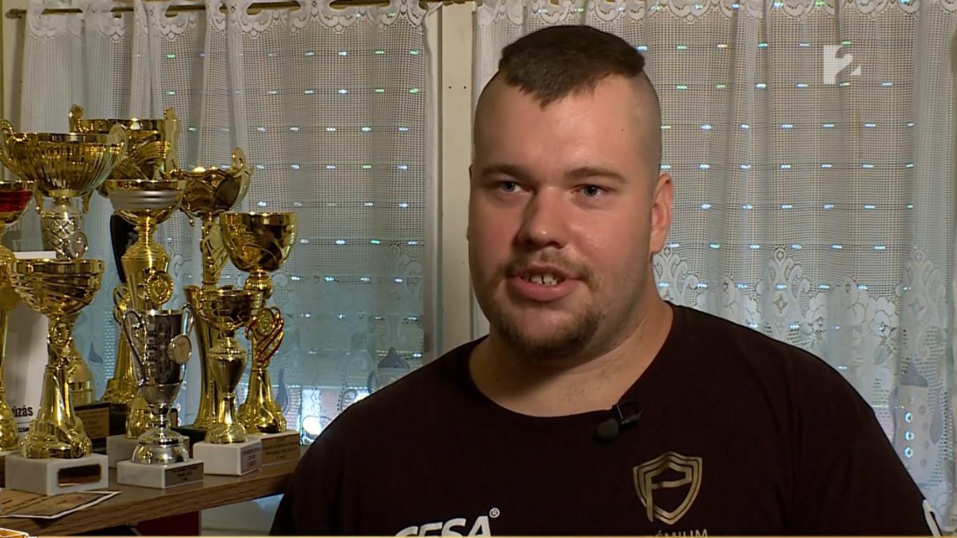 Elképesztő kitartással tör a csúcsra a magyar fiú: Patrik a világ legerősebb embere akar lenni