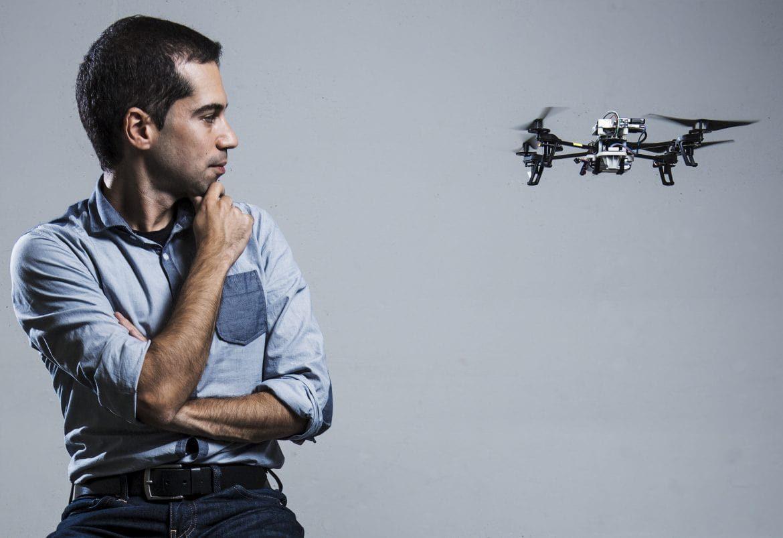 Gyorsabbak a drónok, ha pilóta helyett egy új algoritmus irányítja őket