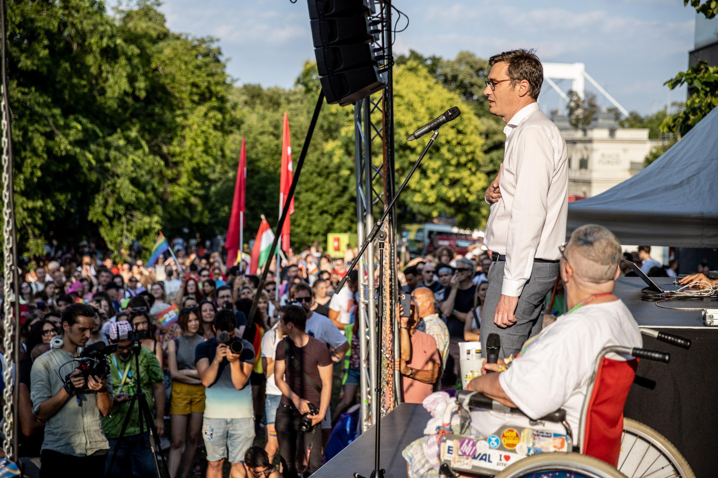 Karácsony Gergely elismerte: a baloldal a migránsok jogait védené, de ezt el akarják titkolni a kampányban