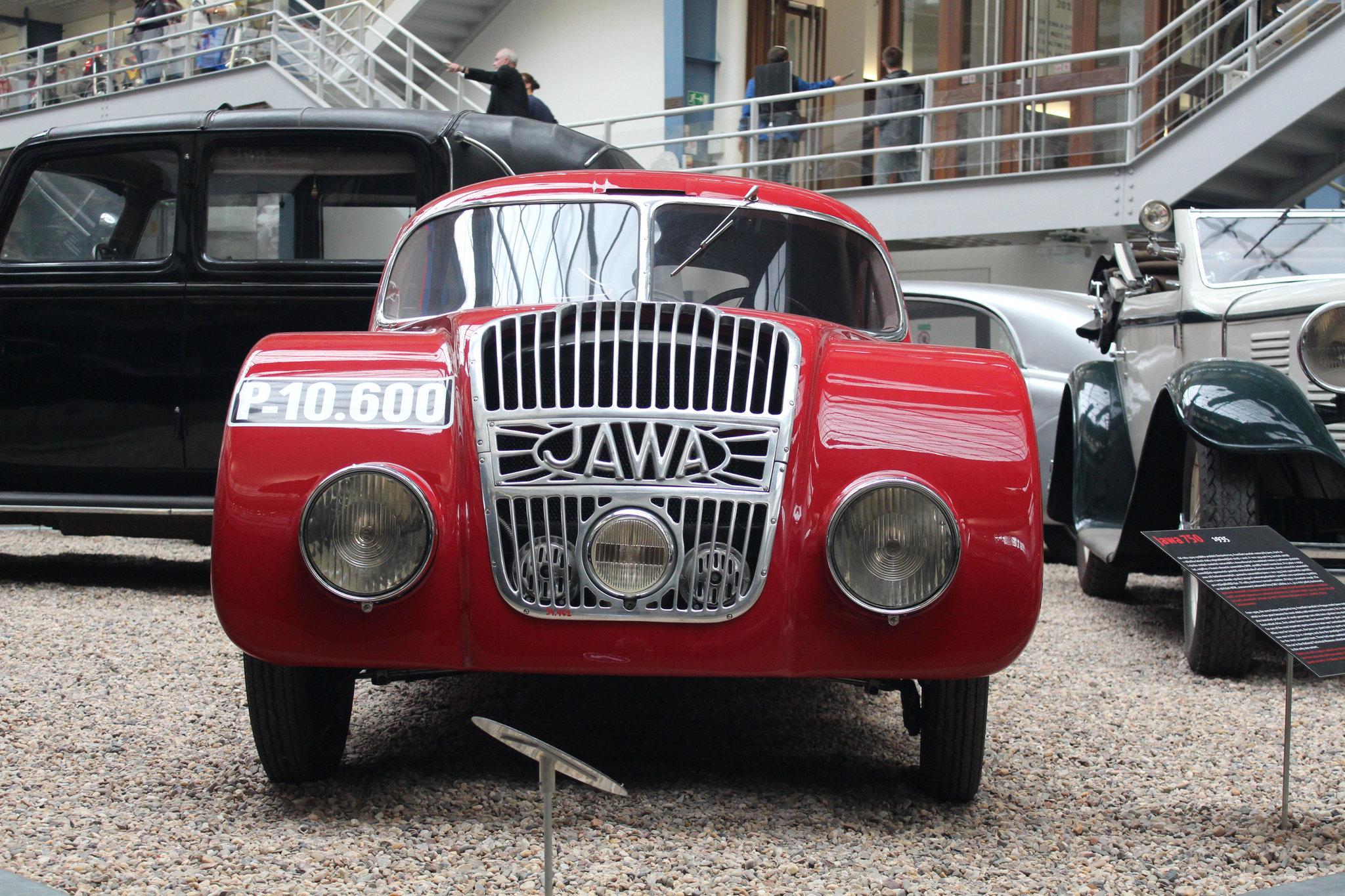 Plusz két keréken minden más: a Jawa autók története