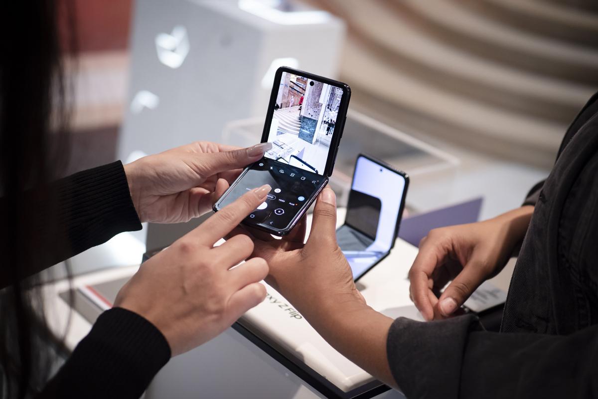 Csökken a kettéhajtható Samsung mobilok ára