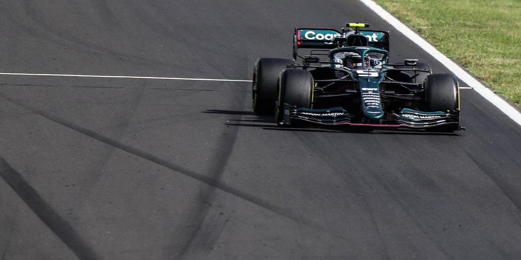 Vettelt a kizárás fenyegeti, túl kevés benzin maradt az autójában
