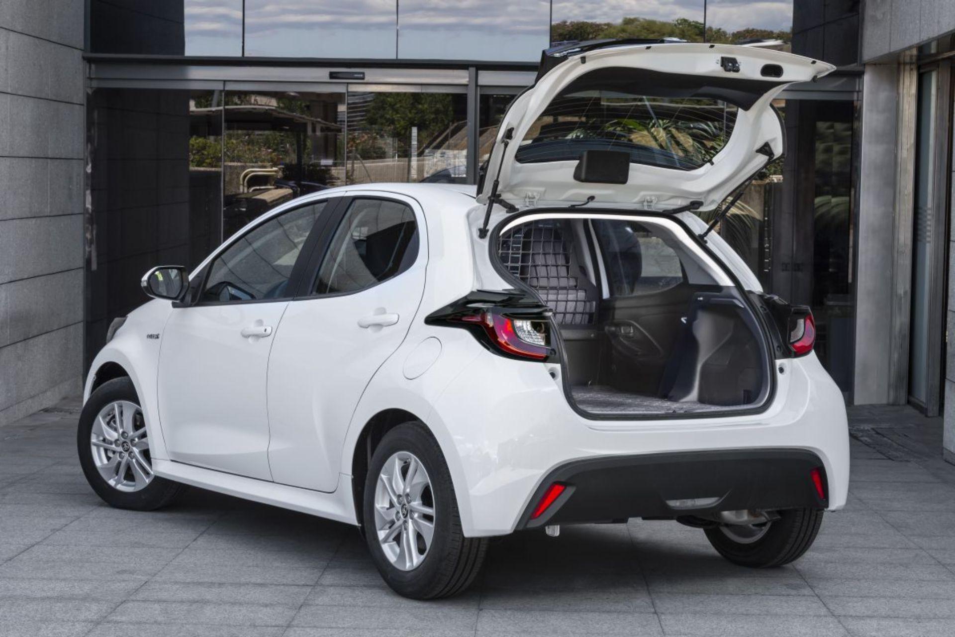 Már haszonjárműként is elérhető az Év autója, és van egy komoly aduja