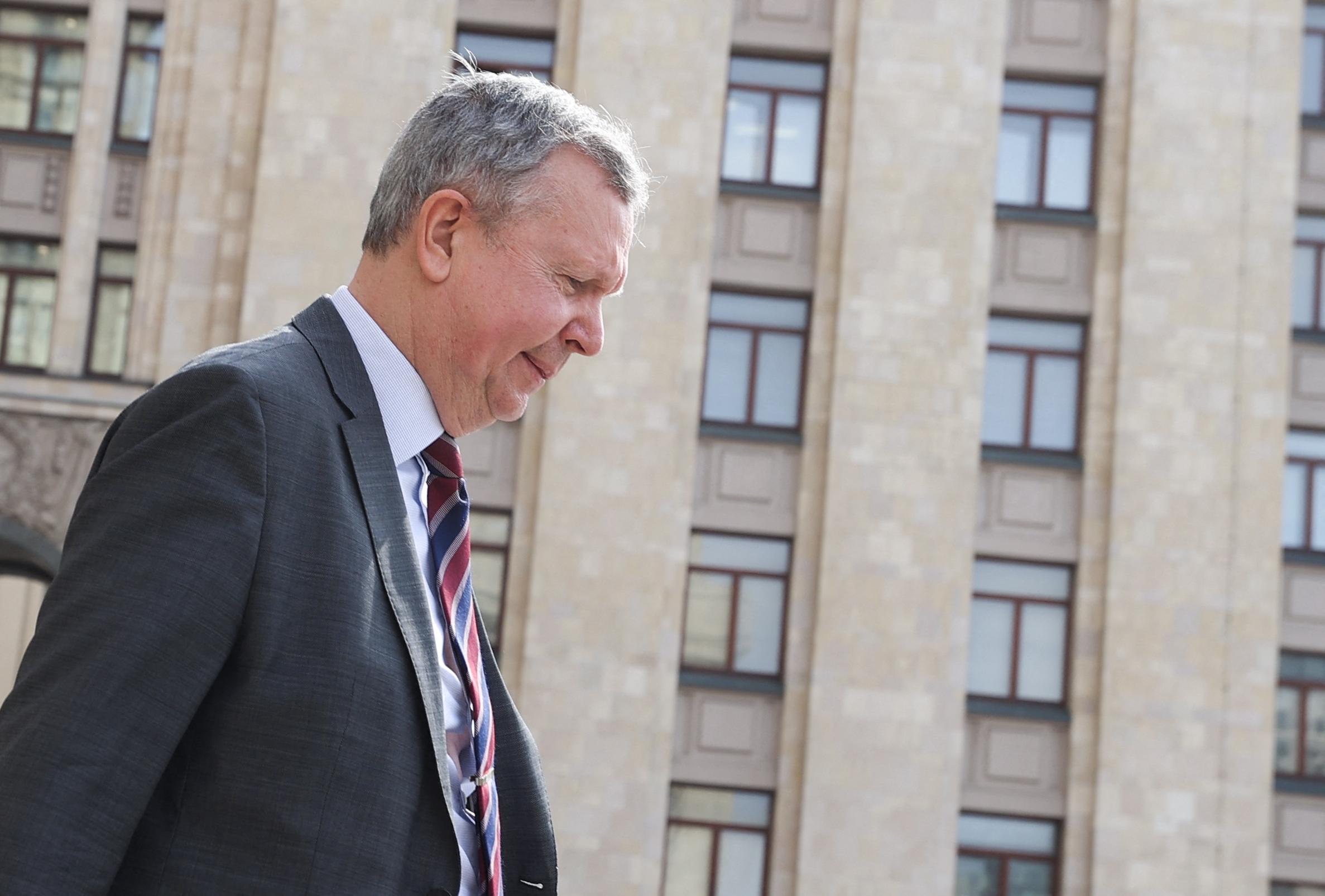 Folytatódik a kiutasítási botrány: Oroszország kiutasította az észt nagykövetség egyik alkalmazottját