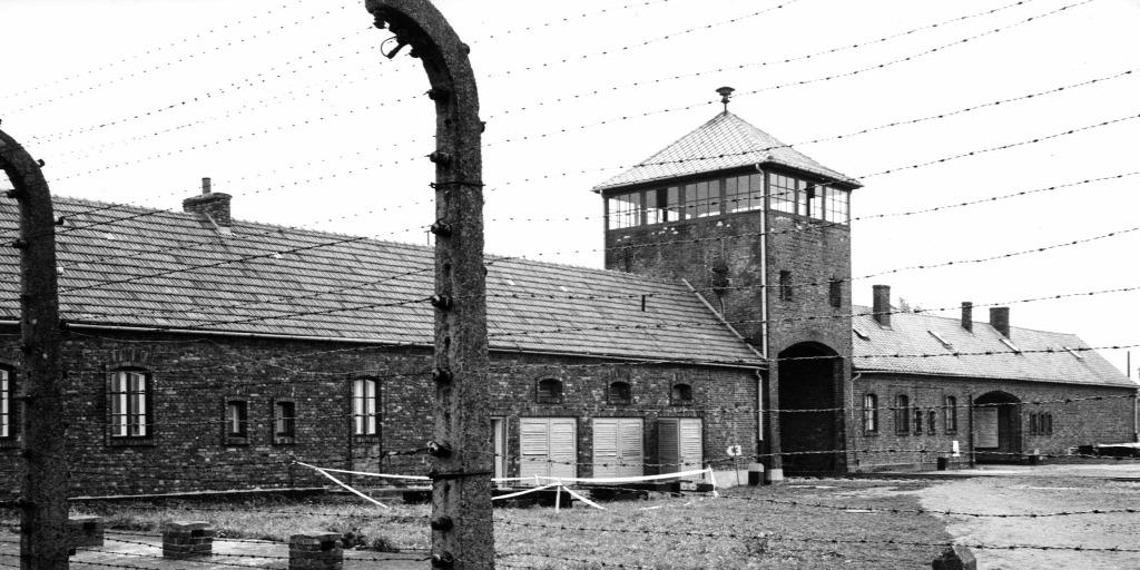 Ki itt belépsz, hagyj fel minden reménnyel – ilyen volt az élet Auschwitz haláltáborában (18+)