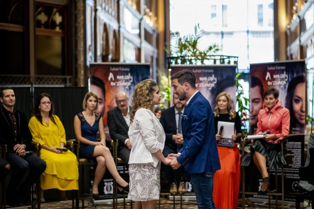 A mosoly országa hatalmas sikernek ígérkezik a Budapesti Operettszínházban