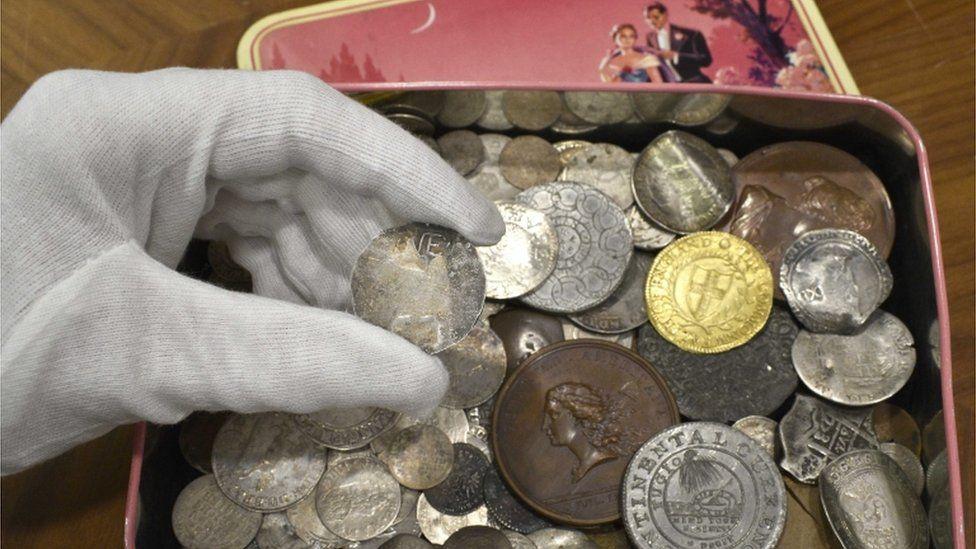 94 millió forintot kérnek egy érméért